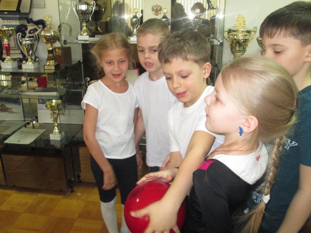Экскурсия в Музей спортивной славы воспитанники детского садика «Кузнечик»
